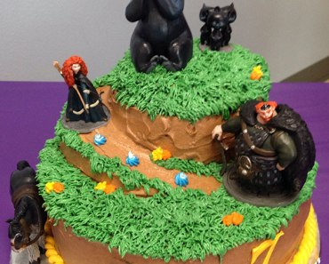 Brave Themed Birthday Cake | Cupcakes&Crowbars