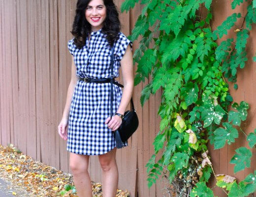 How to Wear a Gingham Dress in Fall | www.cupcakesandthecosmos.com