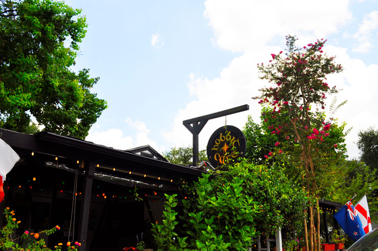 Hobbit Cafe for lunch in Houston Texas | www.cupcakesandthecosmos.com
