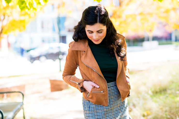 Day To Date Style: J. Crew Houndstooth Skirt | www.cupcakesandthecosmos.com