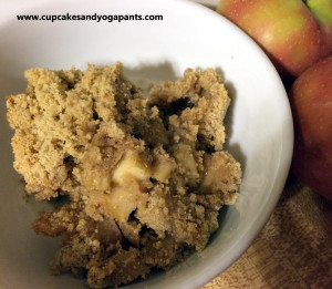 Hot Apple Crumble Bars