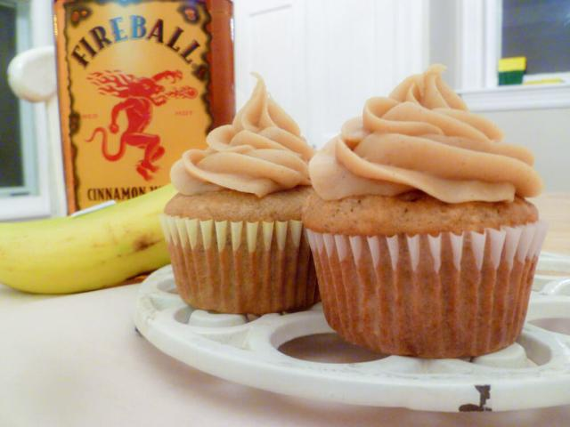Banana-Cinnamon Cupcakes with Fireball Whisky
