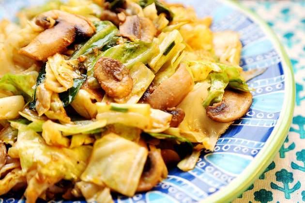 Cabbage_Mushroom_Stir_Fry_Recipe