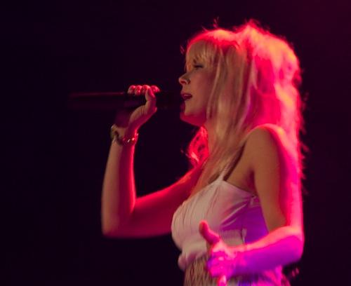 Konzertfoto Nikon D700 - Rottöne