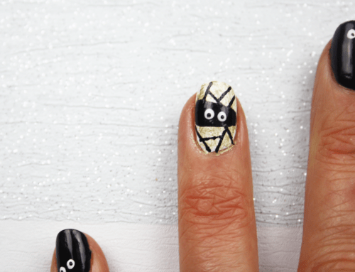 All Eyes on You - Halloween Nail Art