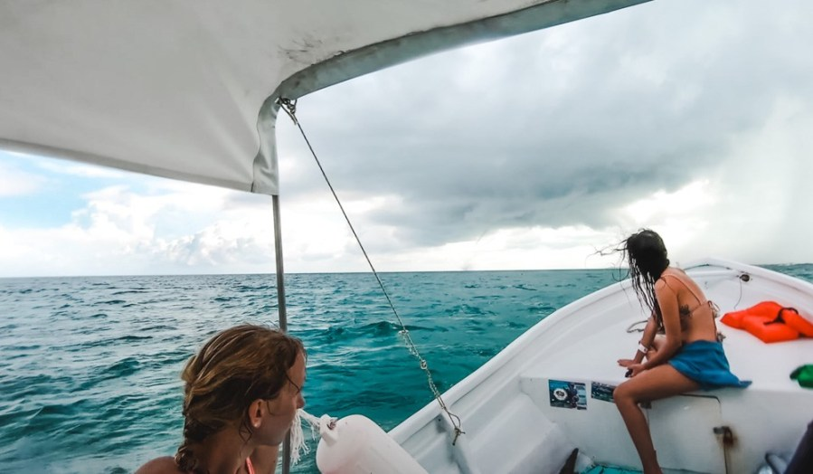 things to do on caye caulker belize boat to goffs caye