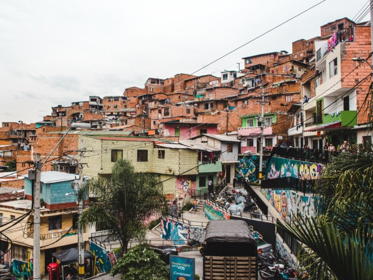 things to do in medellin colombia comuna 13 tours