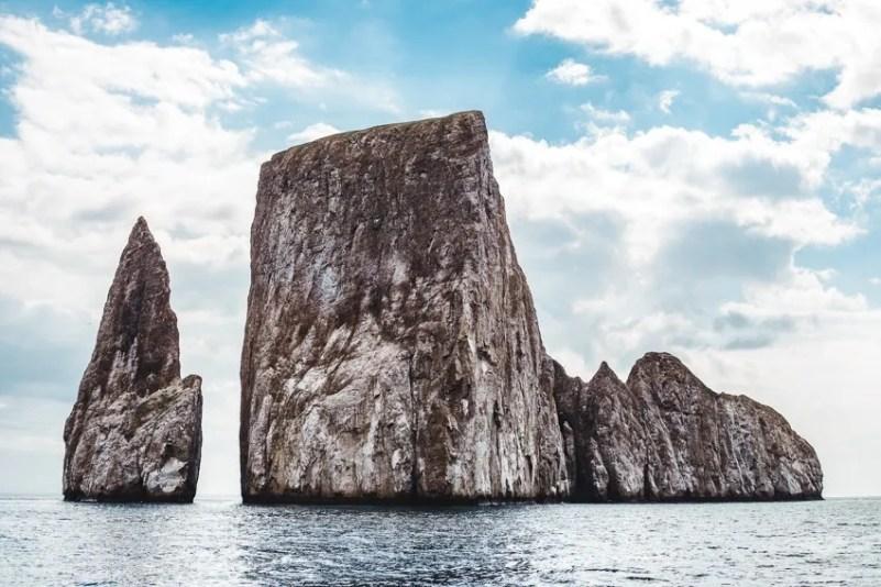 kicker rock hammerhead sharks galapagos ecuador backpacking bucketlist las penas best places to visit in ecuador