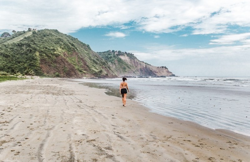 ayampe beach ecuador backpacking surfing best places to go in ecuador south america