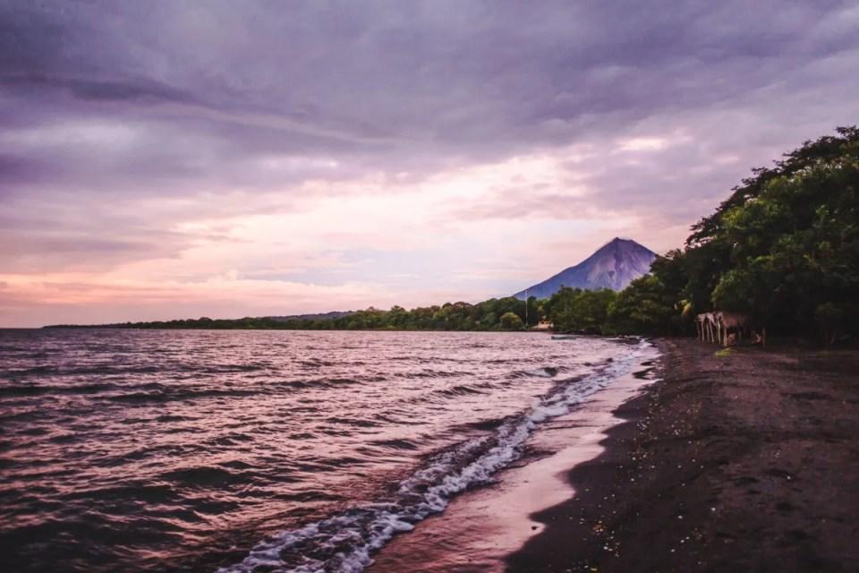 2 weeks in Nicaragua itinerary backpacking ometepe