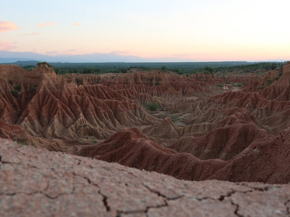 tatacoa desert: red trail hiking colombia