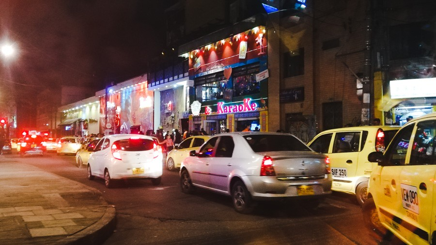 taxis at night in teusaquillo, bogota: how to get around bogota colombia