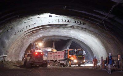 Muestran excavación de túnel de 2 km bajo el cerro San Cristóbal y río Mapocho