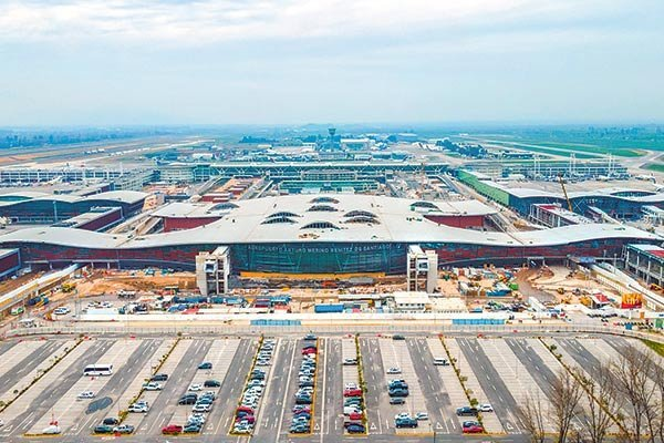Panel de Concesiones respalda posibilidad de que el MOP pueda negociar flexibilización de contrato con operadora del aeropuerto Pudahuel