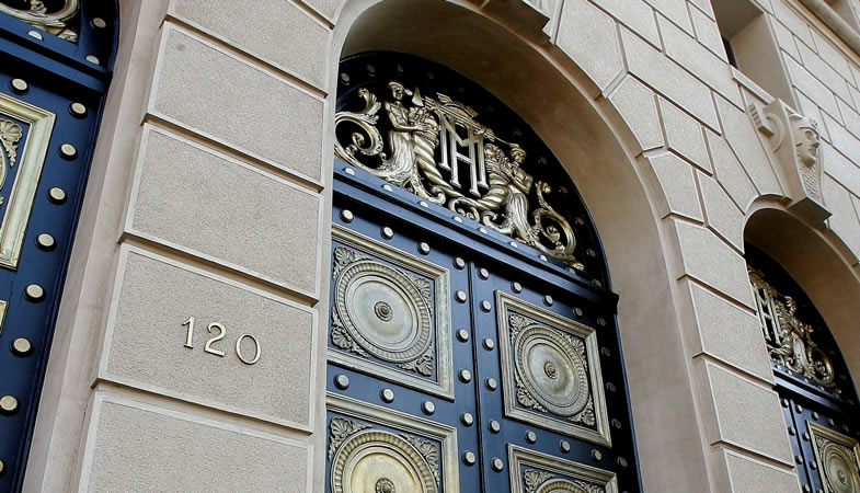 Gobierno oficializó la incorporación de Chile al Banco Asiático de Inversión en Infraestructura