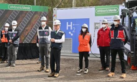 Se inaugura proyecto que generó la primera molécula de hidrógeno verde para vehículos de faena minera