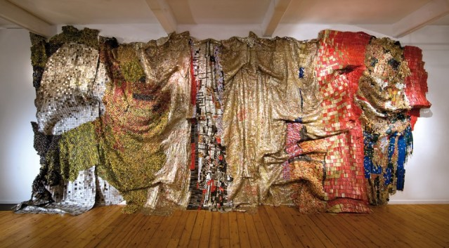 el-anatsui-textile-sculpture