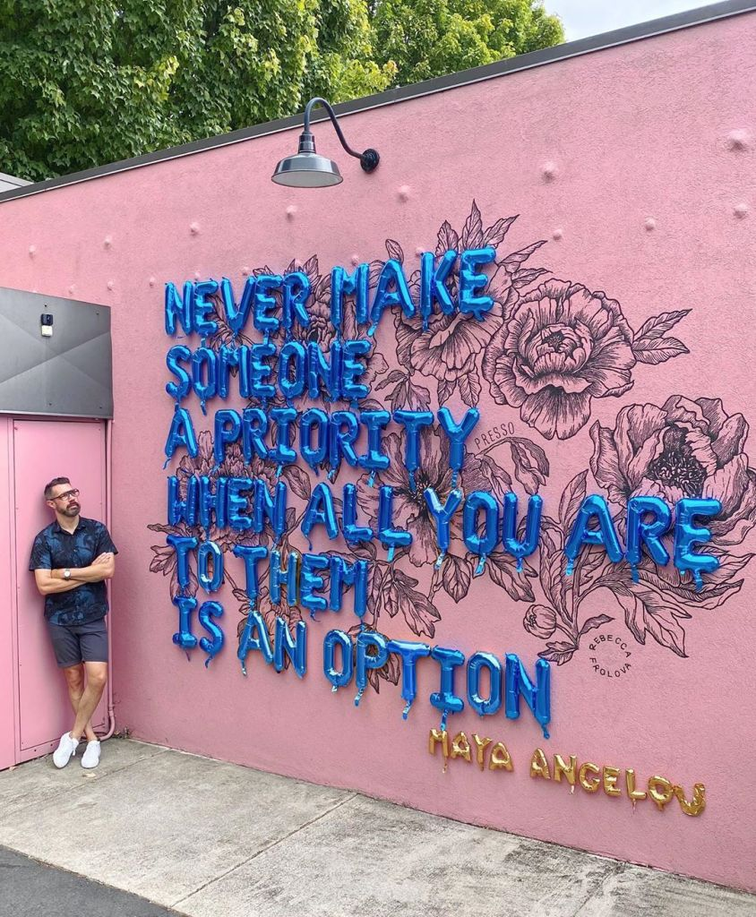 maya angelou quotes, motivational quotes, balloon art, urban art, street art, street photography, famous quotes