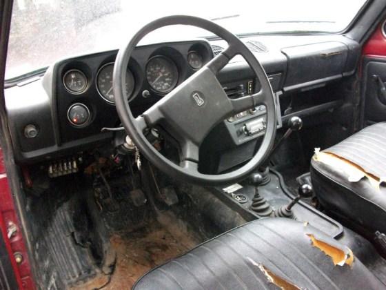 1991 Lada Niva Dash