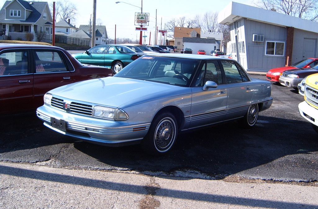curbside classic 1992 oldsmobile touring sedan a regency with an attitude. Black Bedroom Furniture Sets. Home Design Ideas
