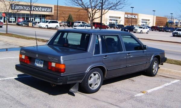 CC Capsule: 1986-87 Volvo 760 Turbo – Fast Brick
