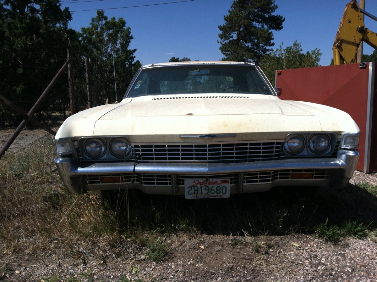 Road Trip Outtakes 1968 Chevrolet Caprice 2 Door In My Very Quick Searching Online I Missed The Fact That Grill Was Revised 68 And Side Marker Lamps Were Added So Rather Than This Being A