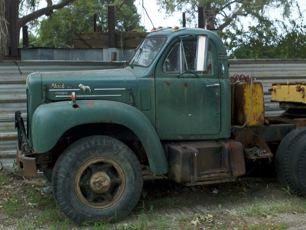 B 61 Mack Thermodyne : Mack b side