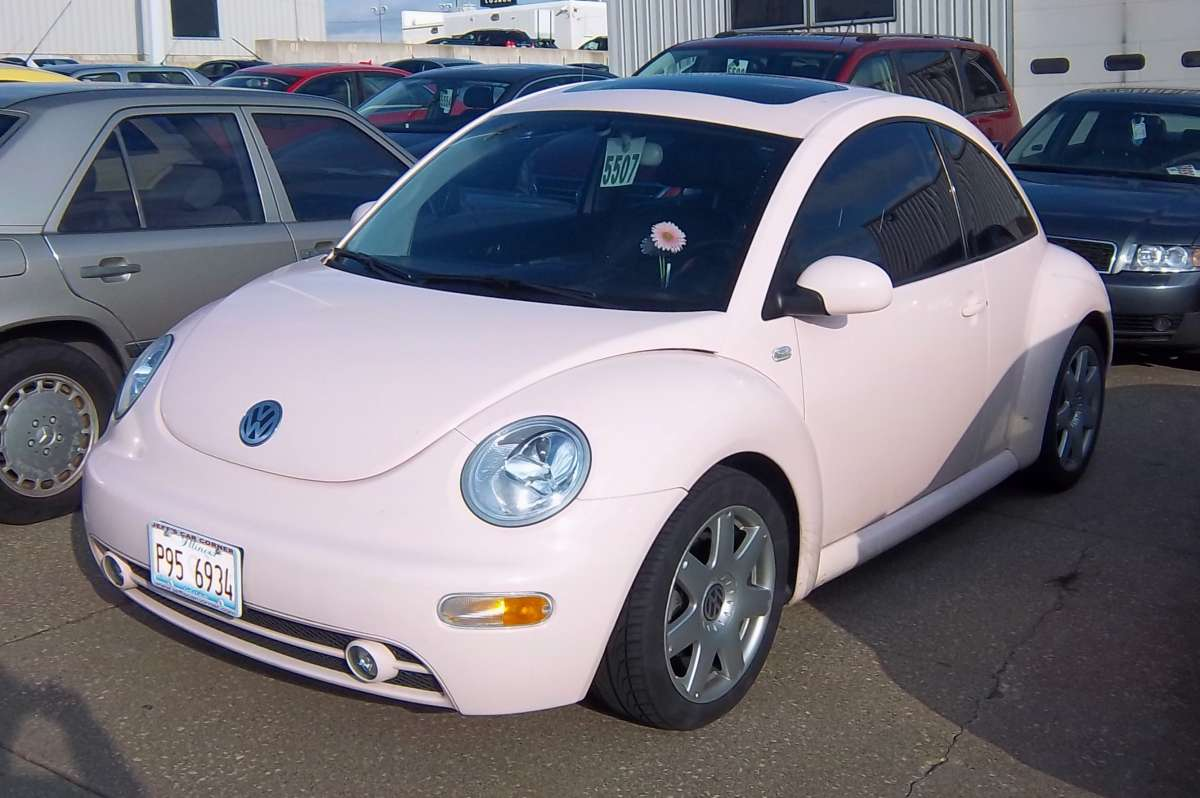 Curbside Question: What Was The Last Pink Car You\'ve Seen?