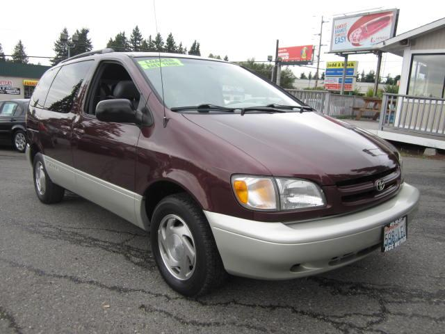 coal 1996 mercury sable gs wagon and 1998 toyota sienna xle dreaded family cars. Black Bedroom Furniture Sets. Home Design Ideas