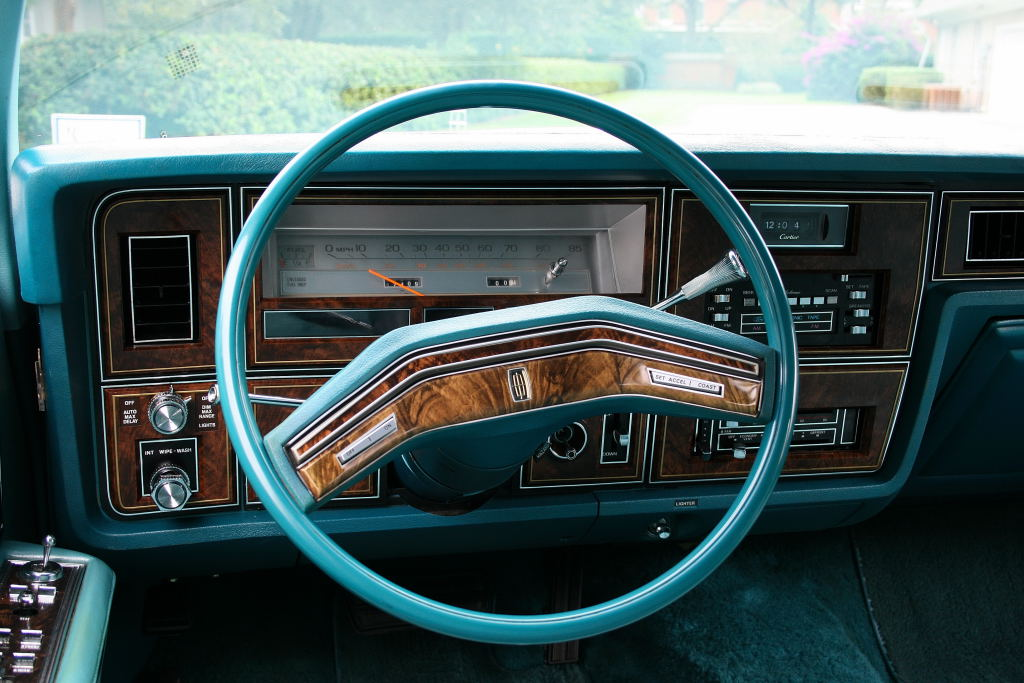 ebay find triple aqua 1979 lincoln continental town car i m in love. Black Bedroom Furniture Sets. Home Design Ideas