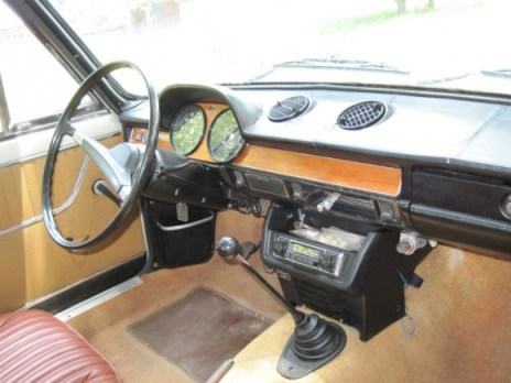FIAT 124_Berlina_For_Sale_Interior_resize