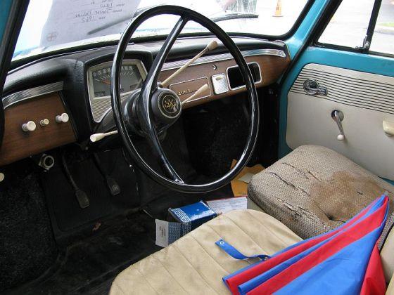 004 62 DKW Interior