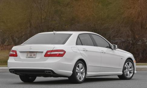 Mercedes-Benz -E350-Bluetec 2013-rear