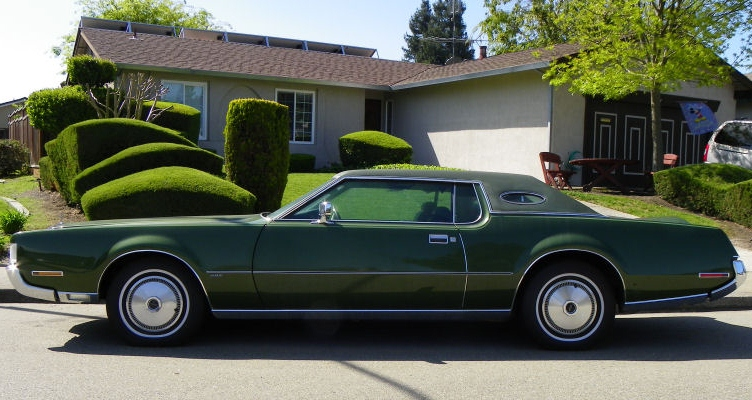 Curbside Clic: 1986 Lincoln Continental – The Rose Quartz-Colored