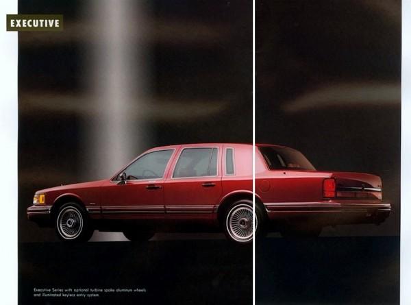 1992 Lincoln Town Car-26-27 (800x594)