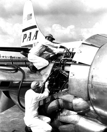 Boeing 377 engine