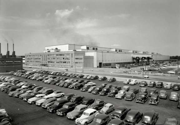 SHORPY parking lot 1949 GE