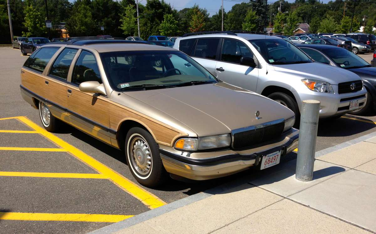 curbside classic 1996 buick roadmaster collector s edition b there til the end curbside classic curbside classic 1996 buick roadmaster