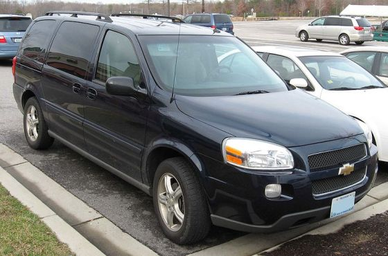 800px-Chevrolet_Uplander