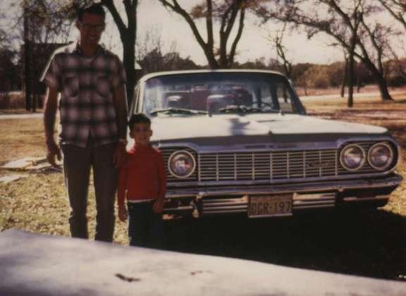 Dad_Gary_Nellie_1970