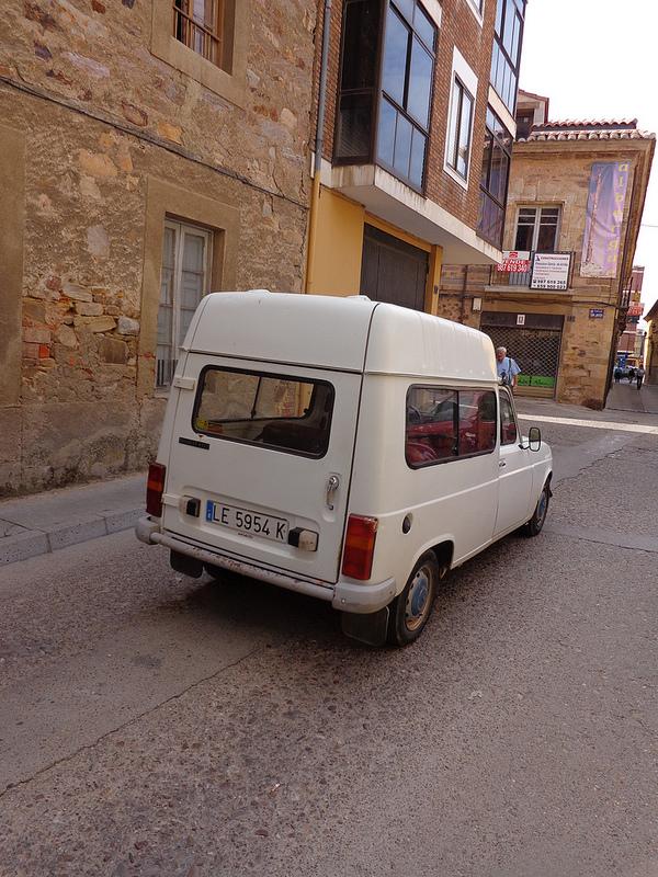Spain R4 wagon