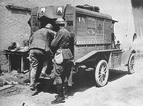 ww1ford_t_ambulance_lr
