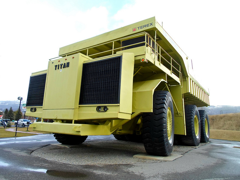 highway side classic 1973 terex titan 33 19 the world s biggest truck. Black Bedroom Furniture Sets. Home Design Ideas