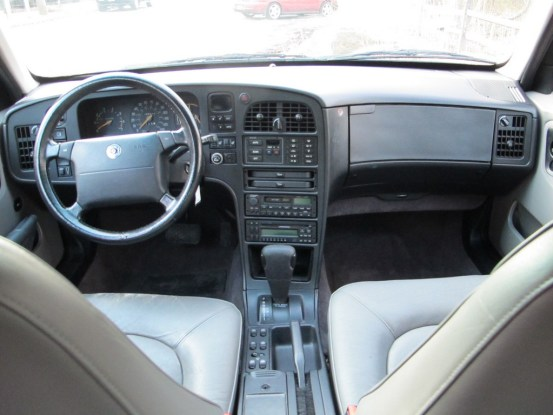 saab 9000CSE interior