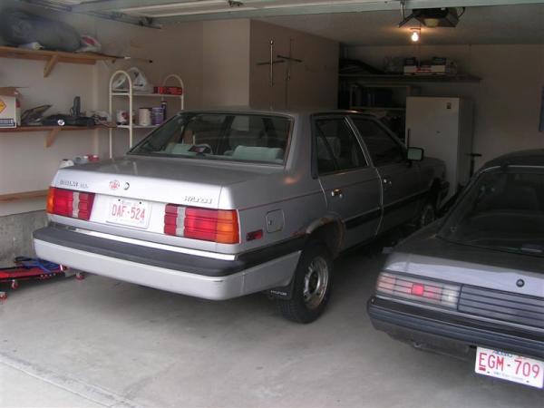 1986 Hyundai Stellar rear