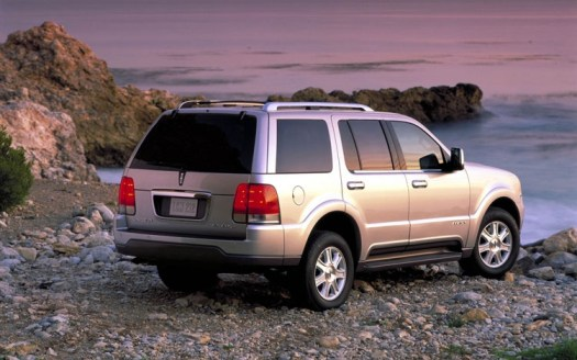 2003-lincoln-aviator-rear