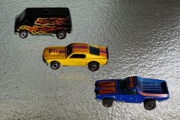 Hot Wheels Flying Colors