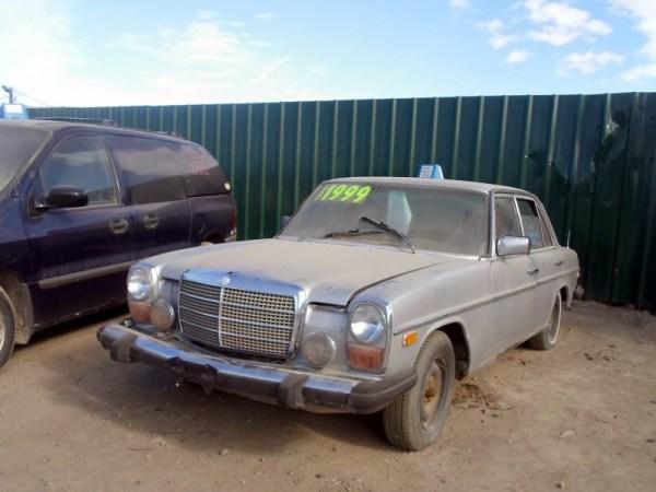 1975 Mercedes Benz 300D 1