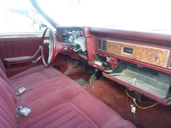 1976 Ford Granada interior