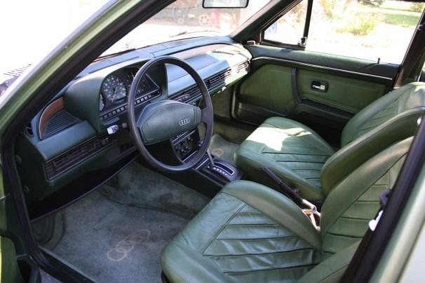 Audi_100_Interior